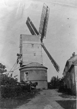 Post mill, Benhall