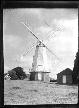 North Common Mill, Chailey, preserved with sails