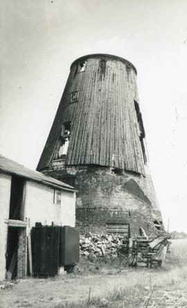 Derelict shell, Cobbin's Mill, Downham Road, Ely
