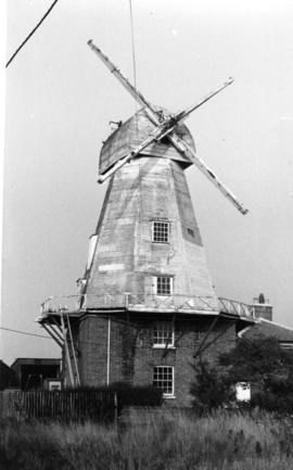 Smock mill, Willesborough, with no sweeps