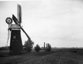 Tower mill, Hardley Marshes, in working order