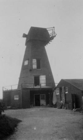 Old Mill, Preston next Wingham, with no sweeps and fantail