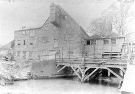 Hall Place Mill, Bexley, and watercourse