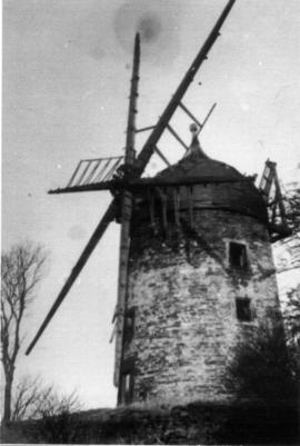 Close up of tower mill, Heage, in derelict state