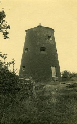 Truncated tower, Great Goliath Mill, Thurlton