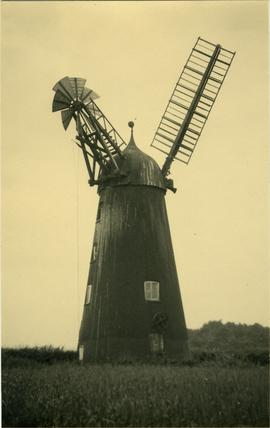 Thompson's Mill, Epworth, with just one sail visible