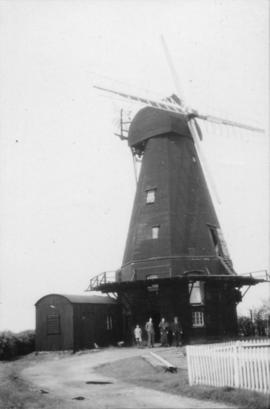 Smock mill, Herne, with group