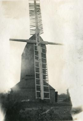 Six Mile Bottom Mill, Burrough Green, with two broken sails