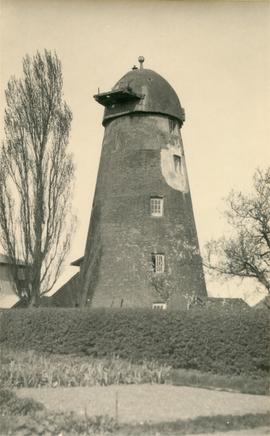 Derelict tower, Church End Mill, Great Dunmow