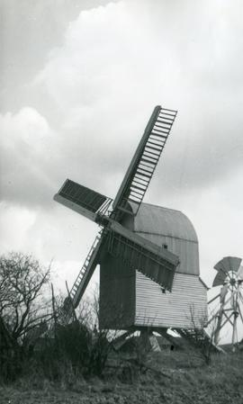 Post mill, Great Chishill, on village green