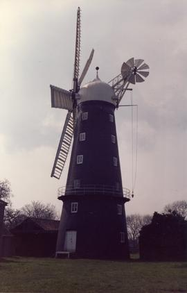 Hoyle's 5 Sailed Mill Exterior 7