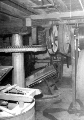 Crown wheel and lineshafting, Ecchinswell Mill, Ecchinswell and Sydmonton