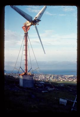 Modern propellor-type windmill for generating electricity