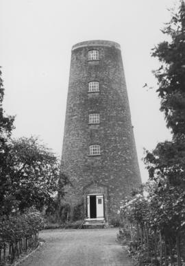 Tower mill, Whatton, converted
