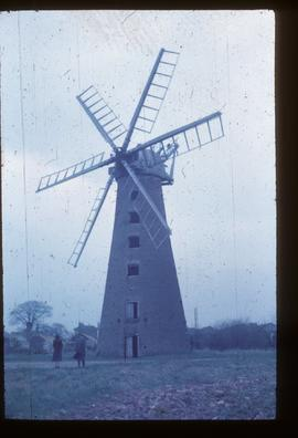 Brunswick Mill, Long Sutton, derelict, with cap and six sails
