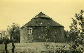 Base capped by 2-tier roof, Ridlington Mill, Witton