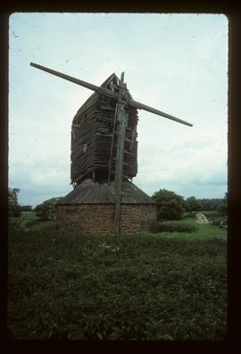 Six Mile Bottom Mill, Burrough Green, derelict, with remains of one sail and broken stocks