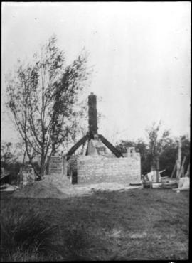 Post mill, Madingley, showing cross trees and main post only