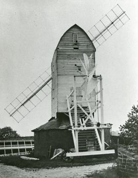 Upthorpe Road Mill, Stanton, with fantail