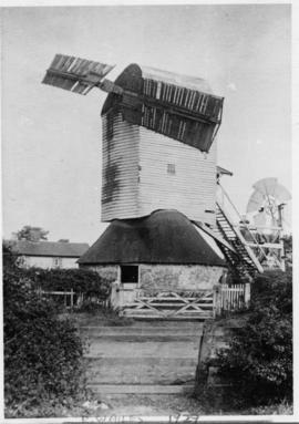 Post mill, Brockley, with only two sails