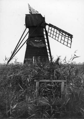 Norman's Mill, Wicken Fen, in a disused condition