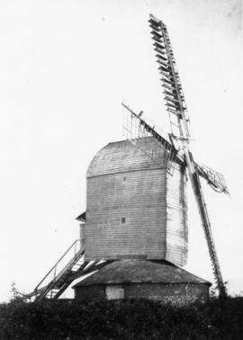 Post mill, Drinkstone, with sails