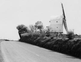 Post mill, Great Chishill, from road