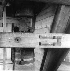 Universal joint in upright shaft, smock mill, Upminster