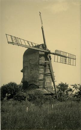 Post mill, Broxted, derelict