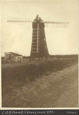 Tower mill, Coddington, with missing sail