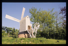 Rodney de Little and his miniature post mill