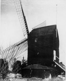 Post mill, Worthing, with flag pole