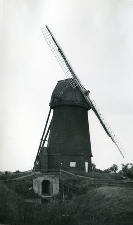 Mere Mill, Soham, with two missing sails