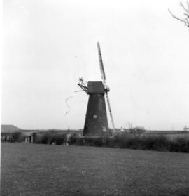 Swingate Mill, Guston