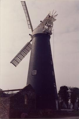 Waltham Windmill With four sails 3