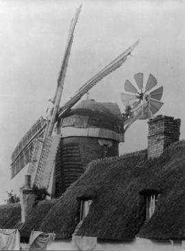 Tower mill, Trumpington, in working order