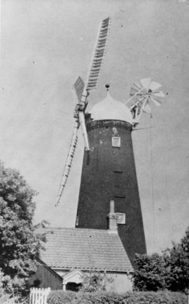 Waltham Windmill With four sails
