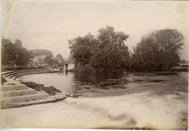 Pangbourne Weir, looking across Whitchurch Lock island to Whitchurch Mill
