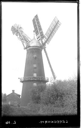Lowfield Mill, Leadenham