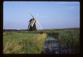 Smock mill, Herringfleet, preserved with sails and tailpole