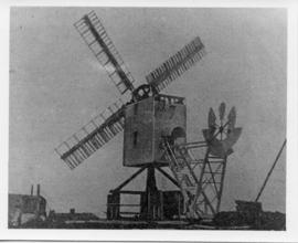 being dismanteled, Thorpeness Mill, Aldringham cum Thorpe