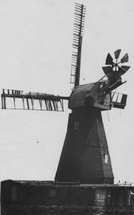 View showing broken sails, West Hougham Mill, Hougham