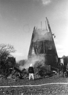 Smoking remains, Black Mill, Barham