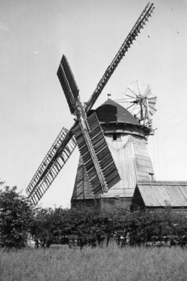 Smock mill, Fulbourn, in working order