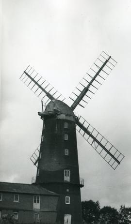 Tower mill, Caston, with outbuilding