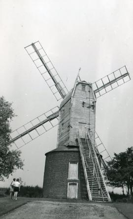 Post mill, Ramsey, with roundhouse