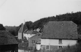 Mill, houses and oast house