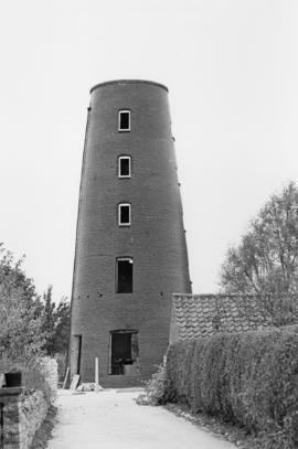 Tower mill, Elston, under conversion