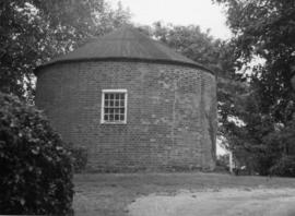 Roundhouse, post mill, Stratford St Andrew