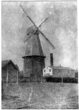 Photo from rear of mill showing 4 Common Sails